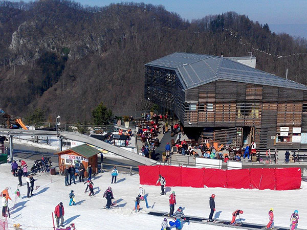 celjska koca winter activities