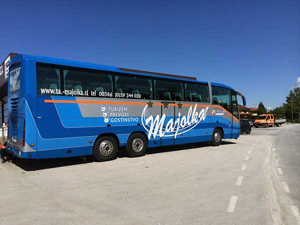 tourist agency majolka bus
