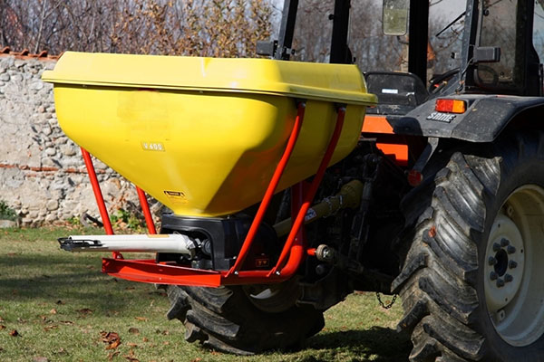Creina-fertilizer-spreader